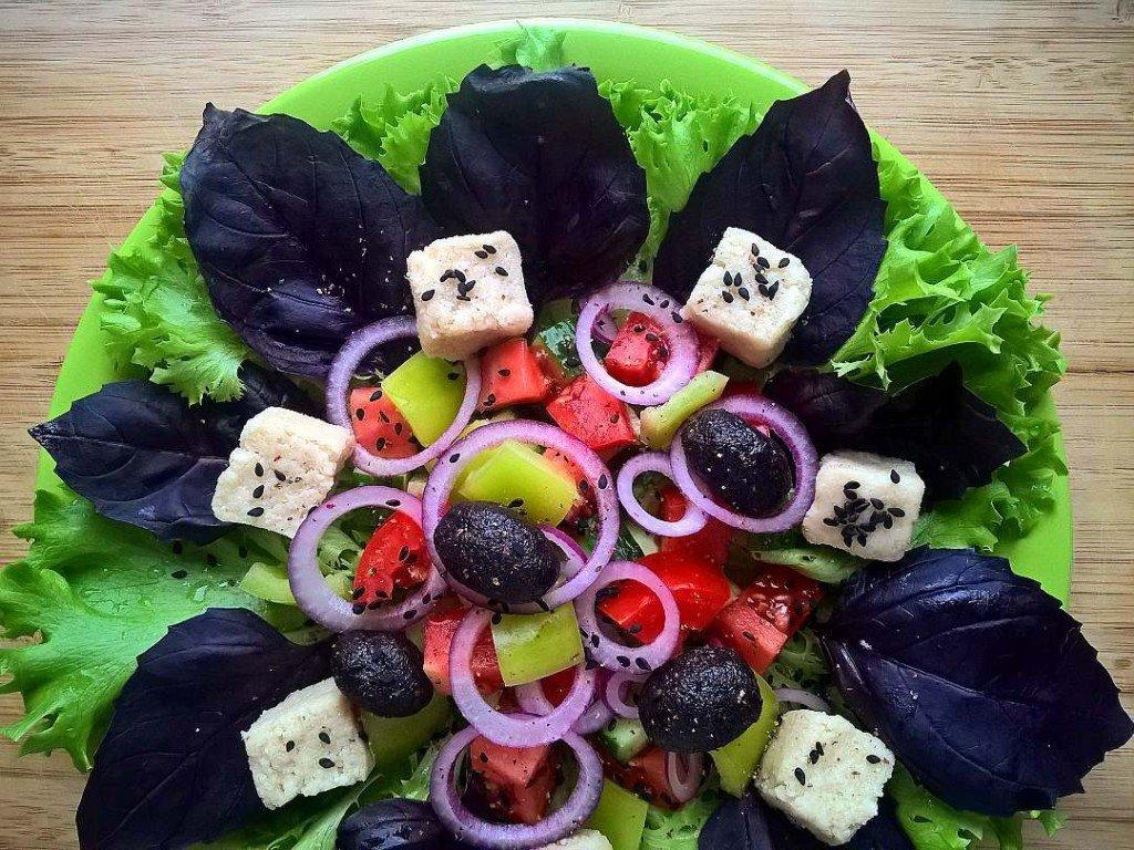 сыроедческий сыр, греческий салат, брынза