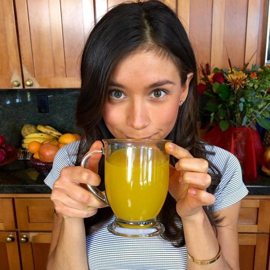 свежевыжатые соки польза, свежевыжатый сок сколько, +как пить свежевыжатые соки, вред свежевыжатых соков, свежевыжатые соки рецепты, свежевыжатые соки польза +и вред, какие свежевыжатые соки, свежевыжатые соки +как правильно пить,+чем полезны свежевыжатые соки, можно ли пить свежевыжатый сок. сколько хранится свежевыжатый сок, сколько хранить свежевыжатый сок. какие свежевыжатые соки полезны, сколько можно хранить свежевыжатый сок,