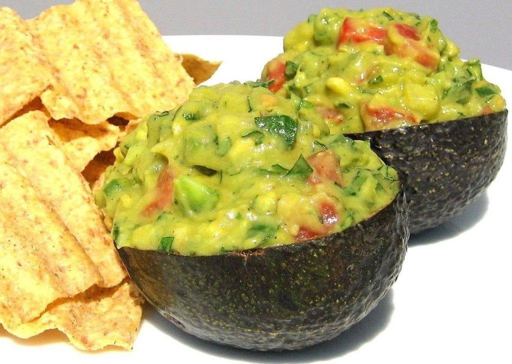 +как приготовить гуакамоле, авокадо паста, авокадо соус, соус гуакамоле рецепт, гуакамоле +из авокадо, соус гуакамоле,