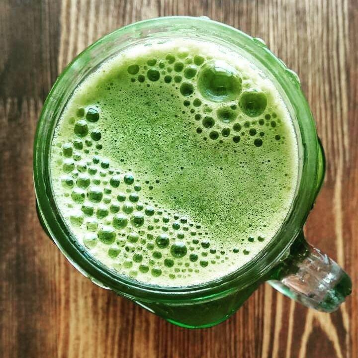 крапивный сок, КАК ПОВЫСИТЬ ГЕМОГЛОБИН КРАПИВОЙ, свойства сока крапивы,сок крапивы,